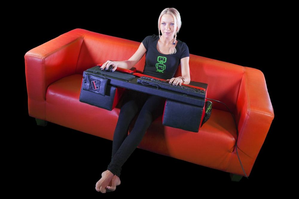 Couchmaster: PC-Gaming-Tisch für Couch erhältlich - News ...