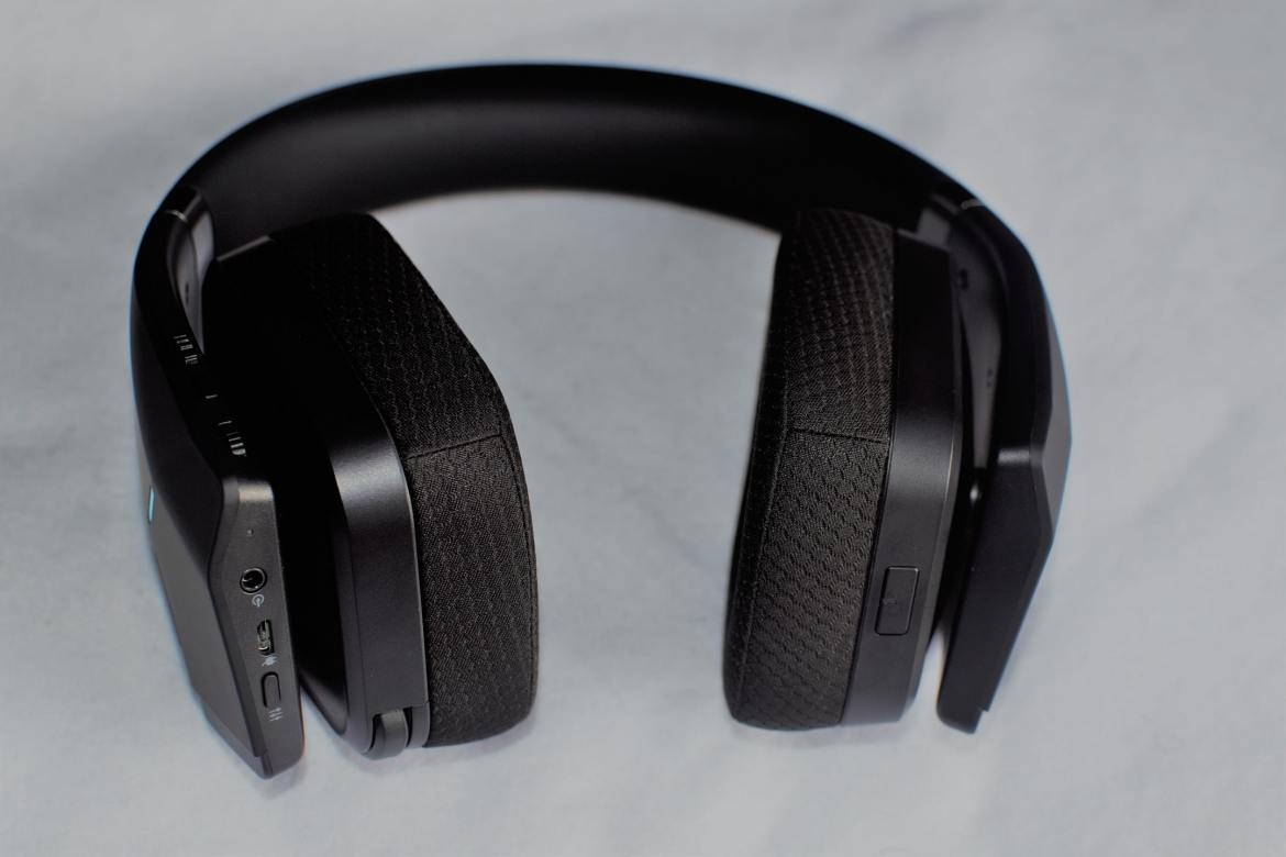 Alienware Wireless Gaming Headset AW988 - 3- Review-GamersRD
