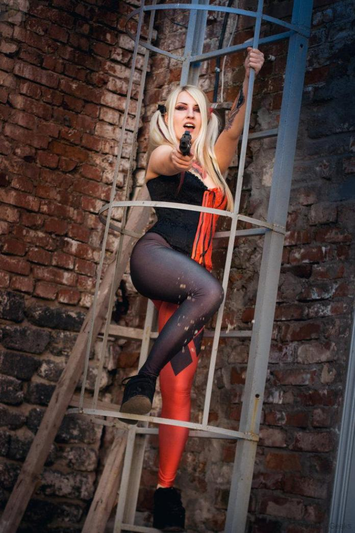harley_queen_by_kemiron-d7kc2nh Cosplay - Harley Quinn #8