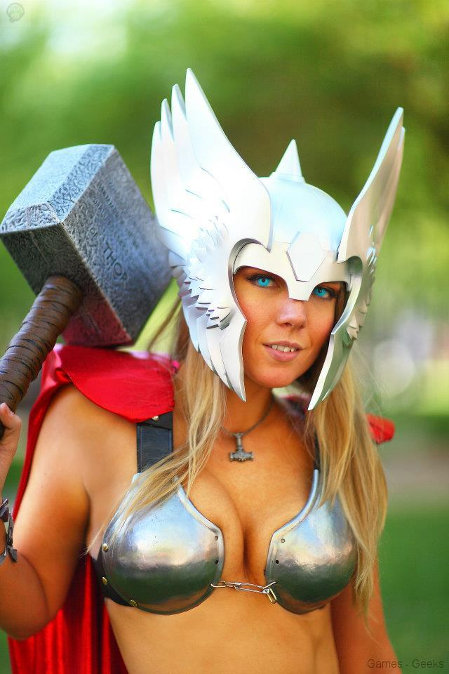 554658_224523914334922_230737991_n Cosplay - Lady Thor #25