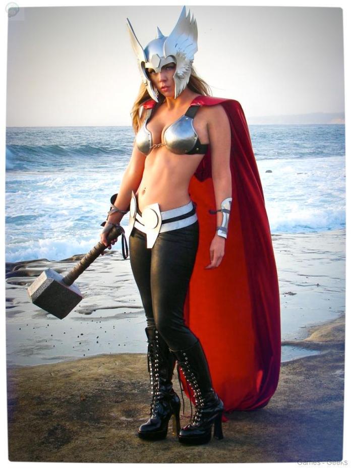 Vamers-Geekosphere-Thorsday-Toni-Darling-Gender-Bends-Thorsday-Toni-Darling-as-Thor-06 Cosplay - Lady Thor #25
