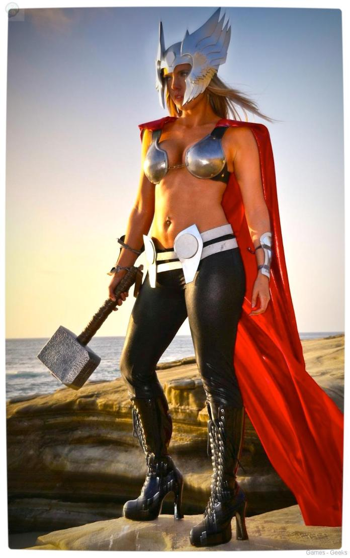 Vamers-Geekosphere-Thorsday-Toni-Darling-Gender-Bends-Thorsday-Toni-Darling-as-Thor-13 Cosplay - Lady Thor #25