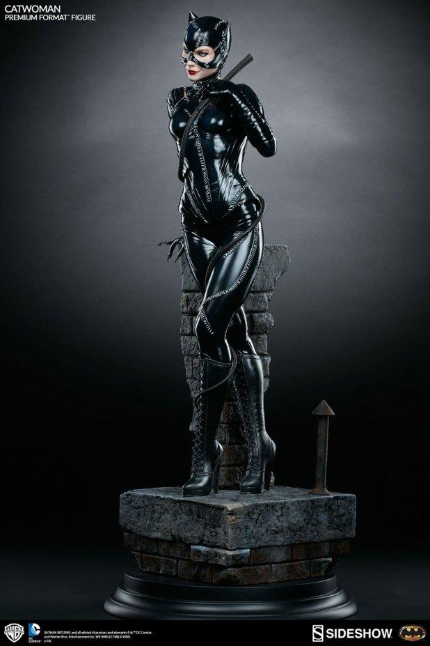 Sideshow-Catwoman-Statue-8-620x930 CatWoman est à l'honneur chez Sideshow avec une nouvelle figurine