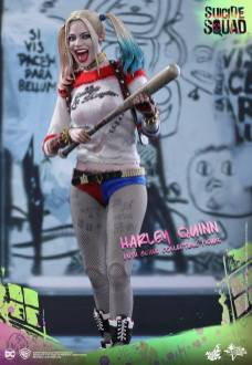 Hot-Toys-Harley-Quinn-3 Suicide Squad - Les figurines de Hot toys