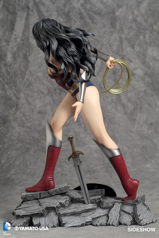 902485-wonder-woman-04 Figurine - Fantasy Figure Gallery DC Comics: Wonder Woman par Luis Royo