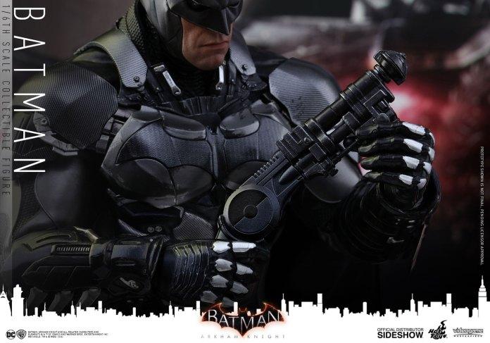 dc-comics-batman-arkham-knight-sixth-scale-hot-toys-902934-22 Figurine – Batman – Arkham Asylum – Hot Toys