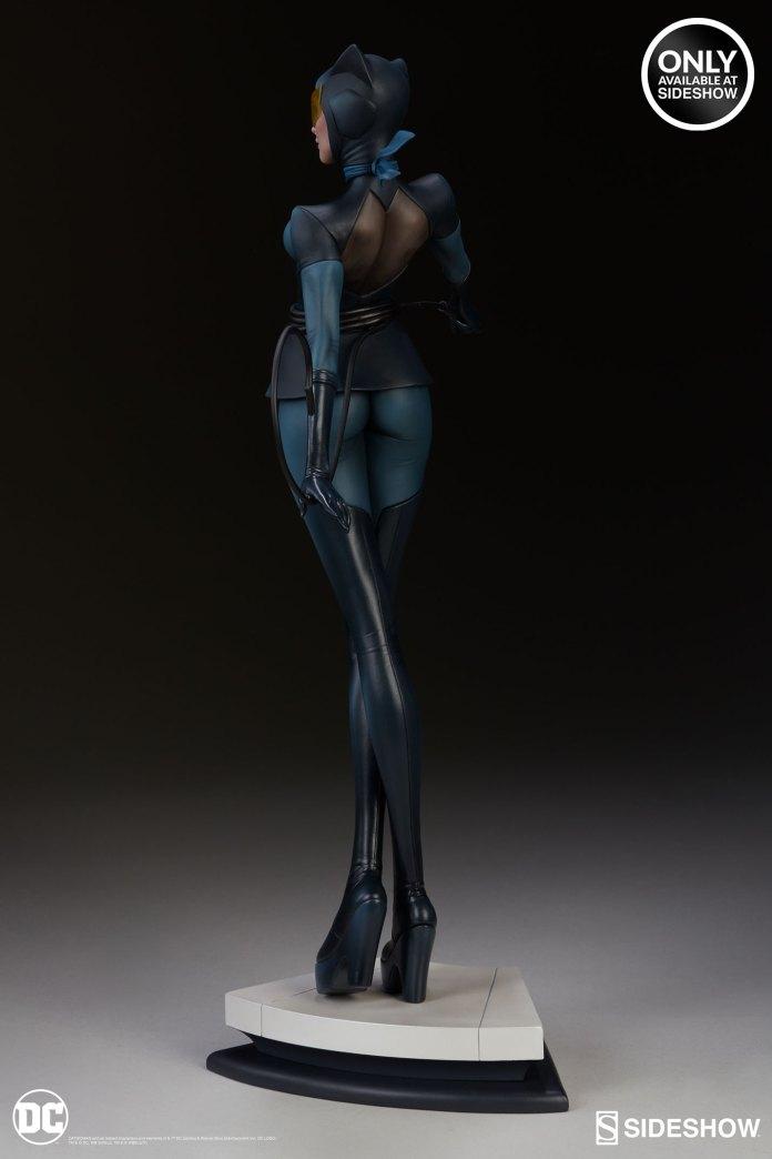 dc-comics-catwoman-statue-stanley-artgerm-lau-artist-series-200428-06 Figurines - Harley Quinn - Catwoman et Poison Ivy vues par Artgerm