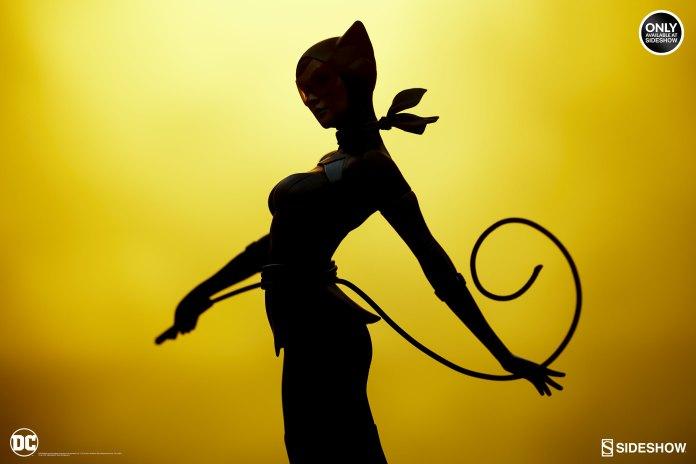 dc-comics-catwoman-statue-stanley-artgerm-lau-artist-series-200428-14 Figurines - Harley Quinn - Catwoman et Poison Ivy vues par Artgerm