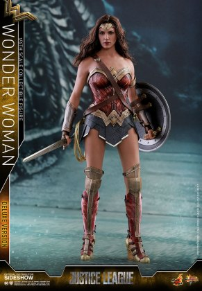 dc-comics-justice-league-wonder-woman-deluxe-sixth-scale-hot-toys-903121-01 Figurine - Wonder Woman Deluxe Version Sixth-Scale Figure
