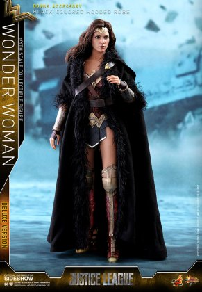 dc-comics-justice-league-wonder-woman-deluxe-sixth-scale-hot-toys-903121-06 Figurine - Wonder Woman Deluxe Version Sixth-Scale Figure