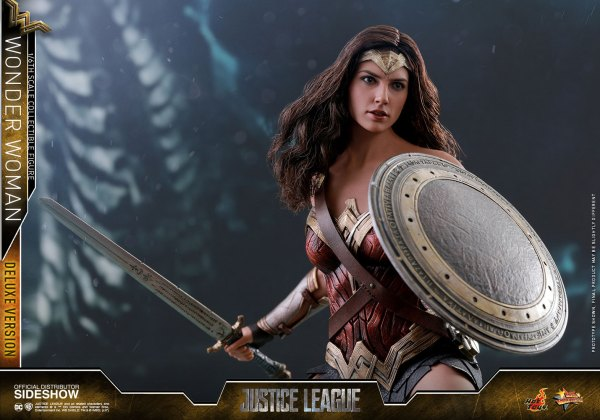 dc-comics-justice-league-wonder-woman-deluxe-sixth-scale-hot-toys-903121-16 Figurine - Wonder Woman Deluxe Version Sixth-Scale Figure