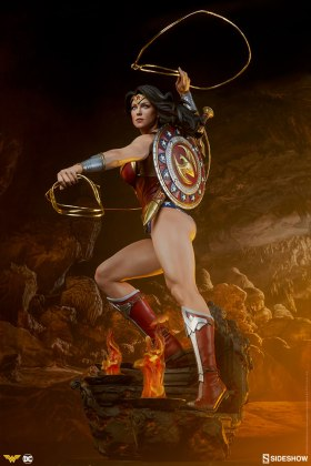 dc-comics-wonder-woman-premium-format-figure-sideshow-300664-03 Figurine - DC Comics Wonder Woman Premium Format