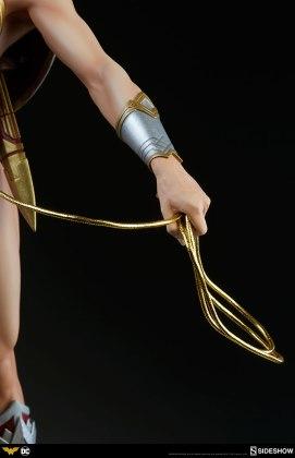 dc-comics-wonder-woman-premium-format-figure-sideshow-300664-19 Figurine - DC Comics Wonder Woman Premium Format