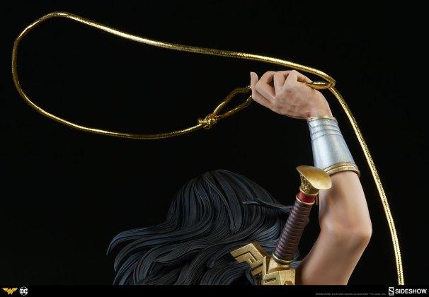 dc-comics-wonder-woman-premium-format-figure-sideshow-300664-22 Figurine - DC Comics Wonder Woman Premium Format