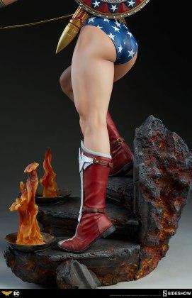dc-comics-wonder-woman-premium-format-figure-sideshow-300664-24 Figurine - DC Comics Wonder Woman Premium Format
