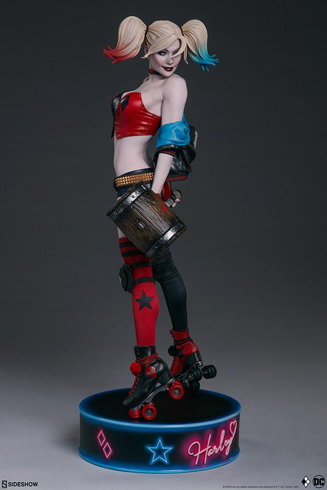 harley-quinn-hell-on-wheels_dc-comics_gallery_5e30bbafc7c6f Figurine - Harley Quinn en roller par SideShow