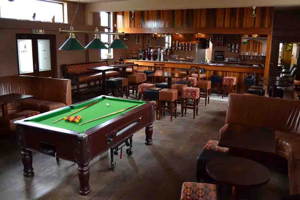 To create a space in your home for your teens to get away with their friends, start with a list of game room ideas. Hot Hotel Game Room Ideas | Deals Unlimited™