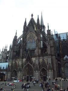 Köln ist immer einen Besuch wert. Bezahlbare Unterkünfte zur gamescom sind leider Mangelware