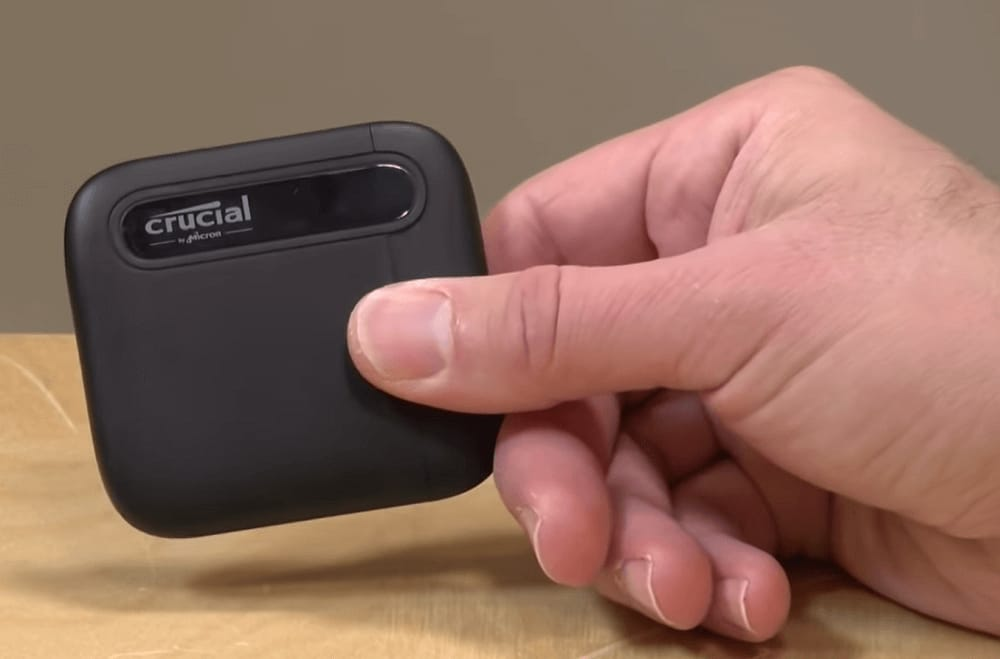 Crucial X6 Portable SSD (1)
