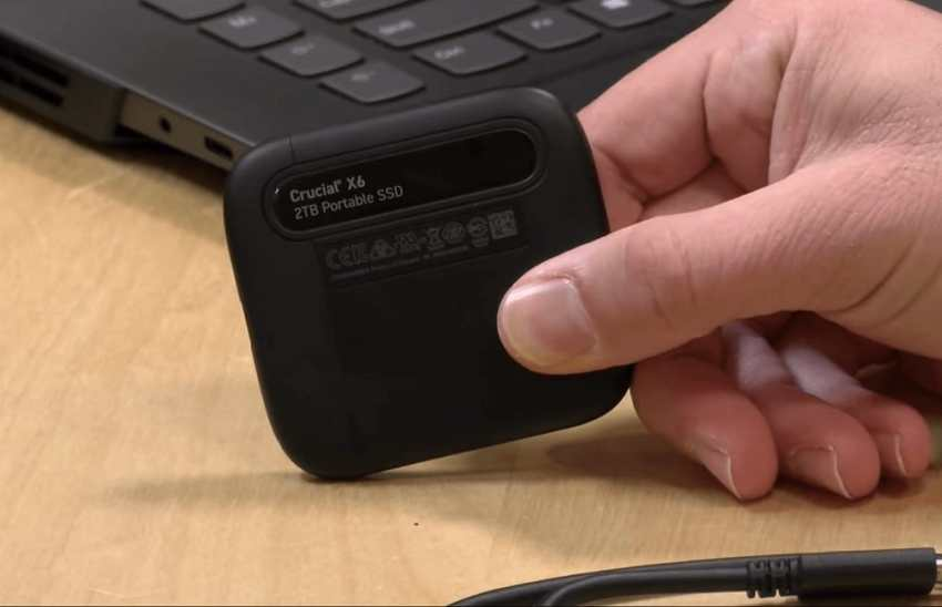 Crucial X6 Portable SSD (7)