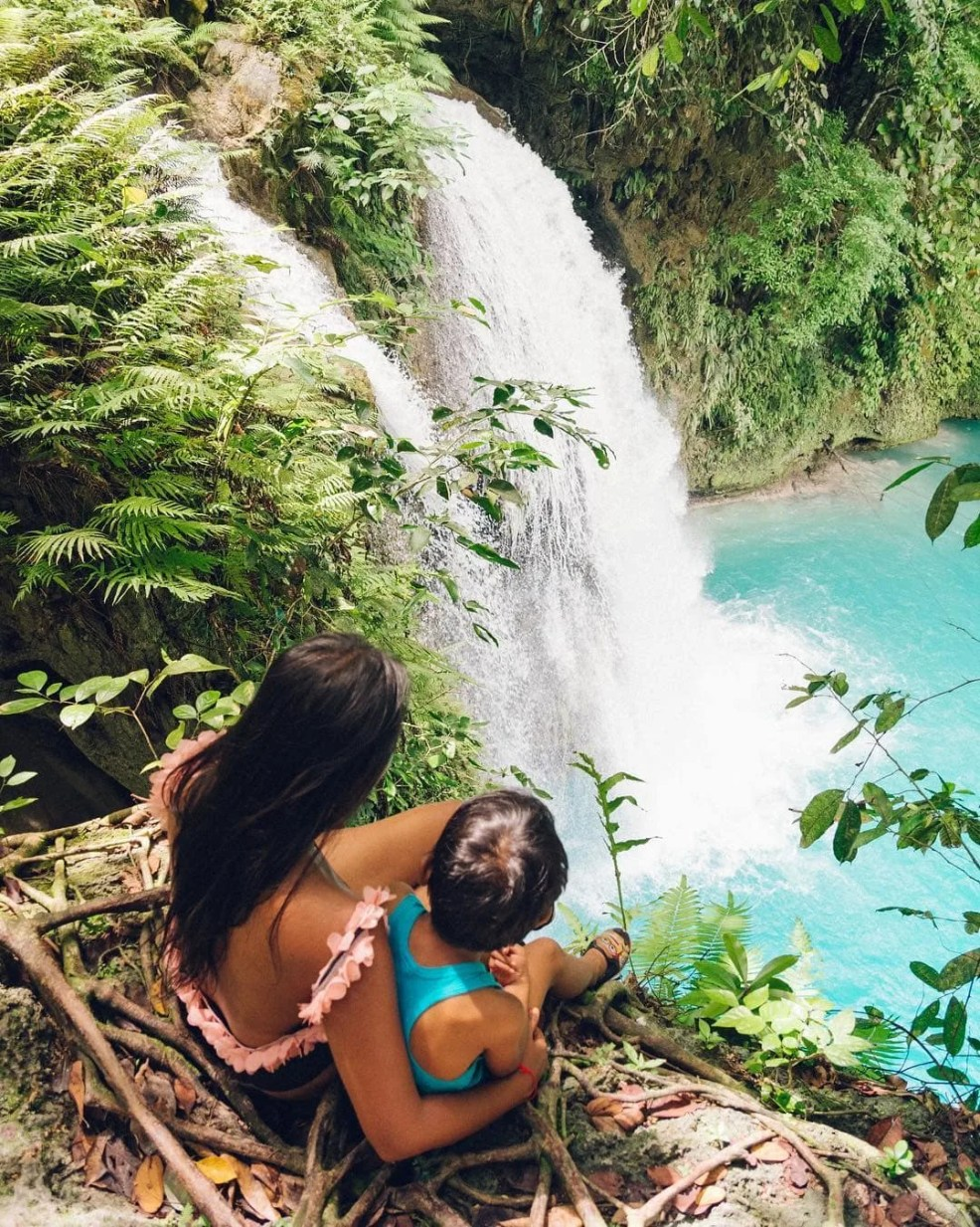 How to get to Kawasan Falls, Cebu, things to do in Cebu, Kawasan Falls Canyoneering, Moalboal to Kawasan Falls, Kawasan Falls to Oslob, where to sleep in Kawasan Falls, Kawasan Falls room rates