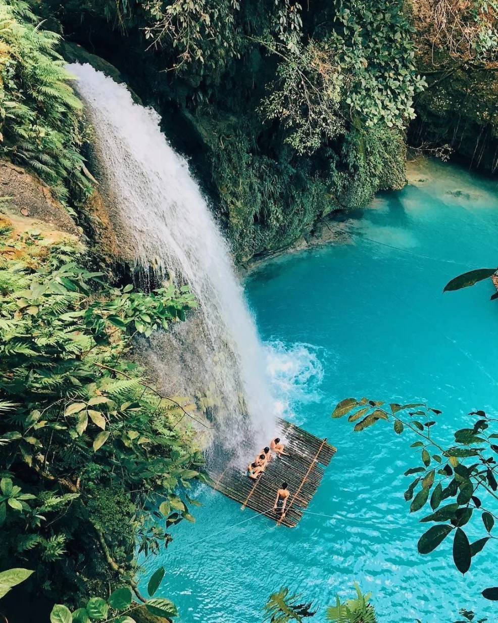 Budget to travel in the Philippines, street food in the Philippines, cheap accommodation in the Philippines