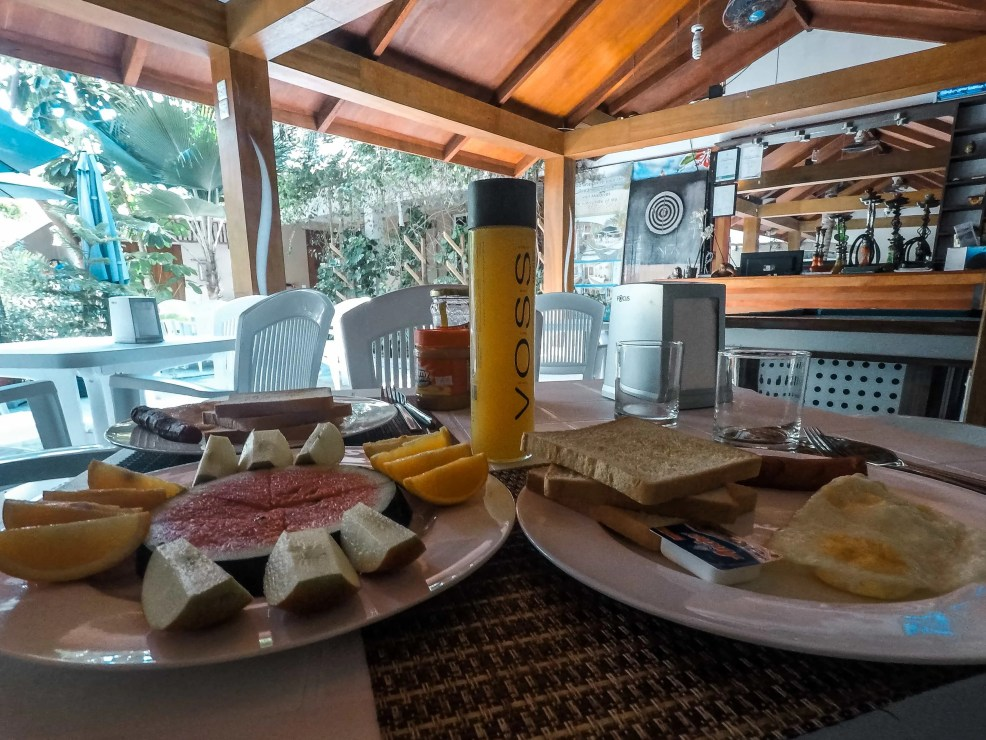 Breakfast on a budget in Maldives, maldives on a budget, trip to Maldives, where to stay in Maldives, cheap hotels in Maldives, things to do in Maldives, how to get to Maldives