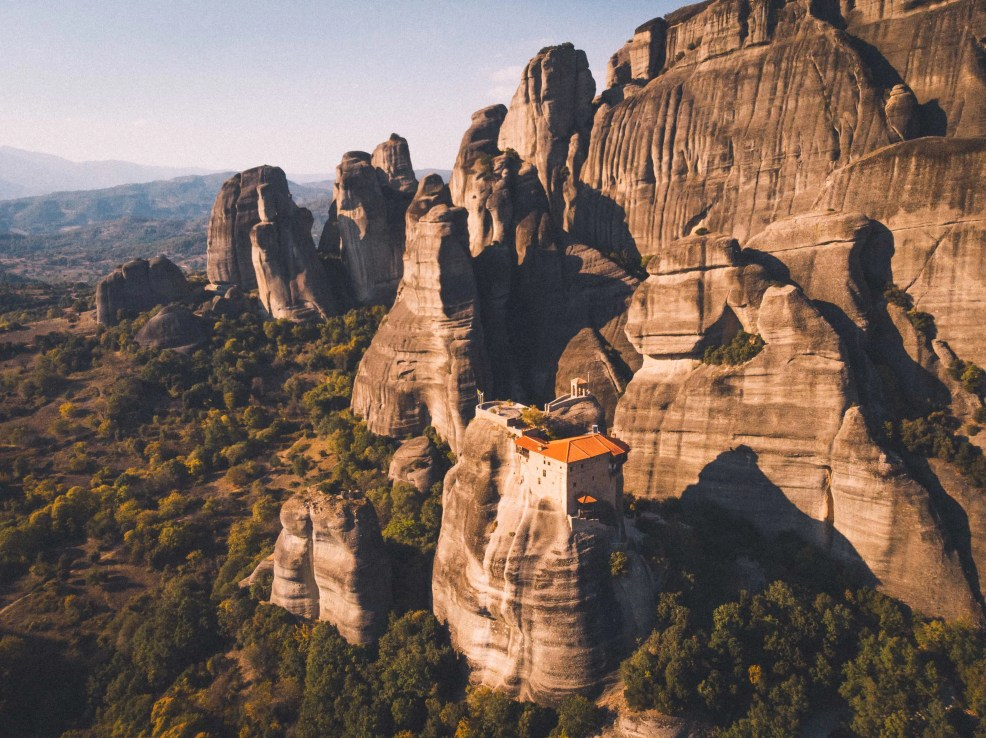 How to get to Meteora from Athens and how to get to Meteora from Thessaloniki. All things to do in Meteora, where to stay in Meteora, monasteries to visit in Meteora