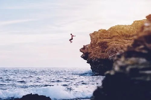 Cliff jumping in Siargao