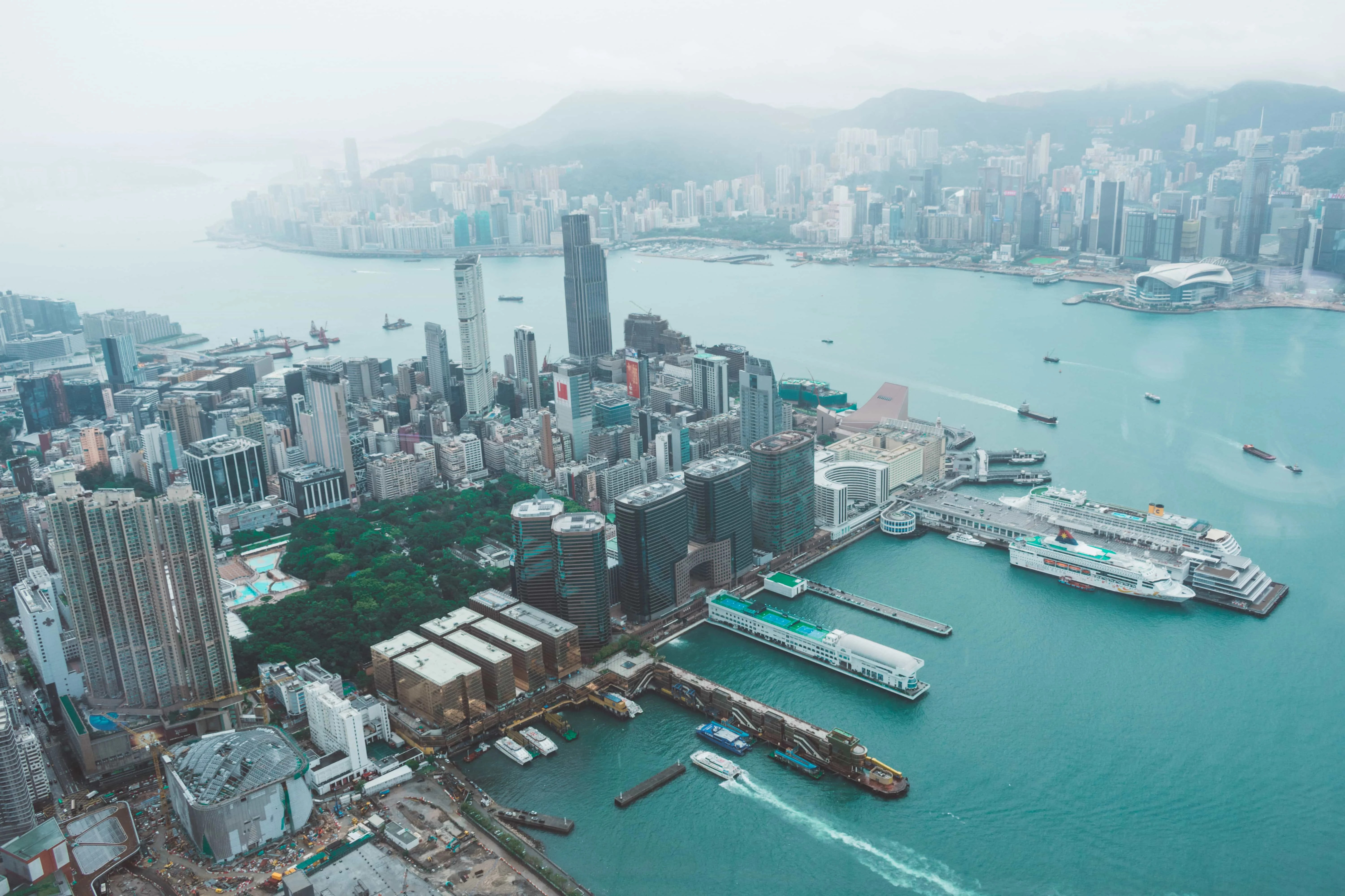 Instagrammable Places in Hong Kong, skyviews from Ritz Carlton