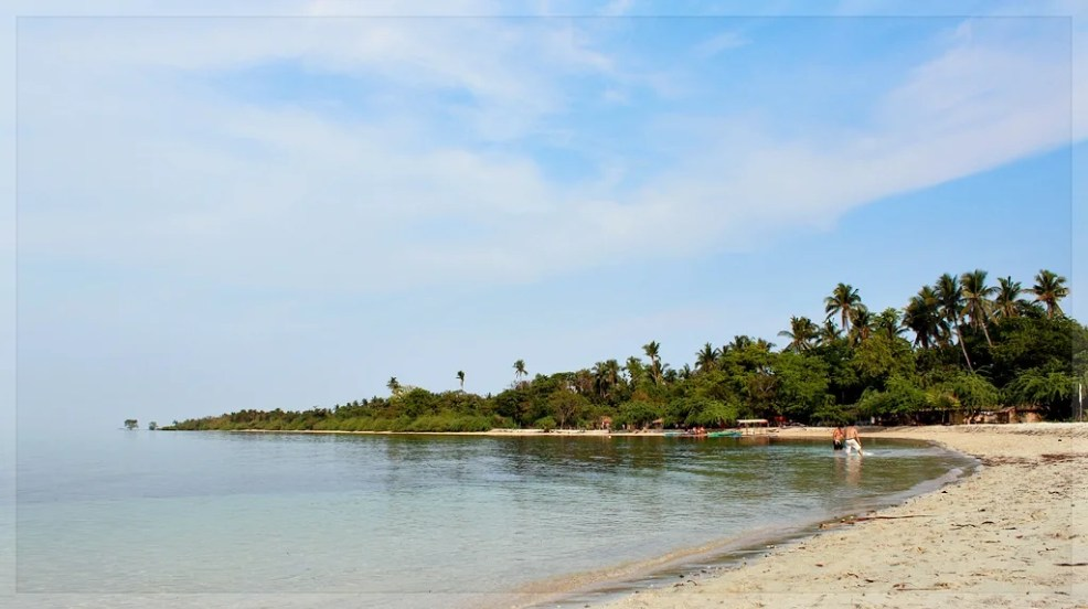 Beaches in Zambales, Magalawa island