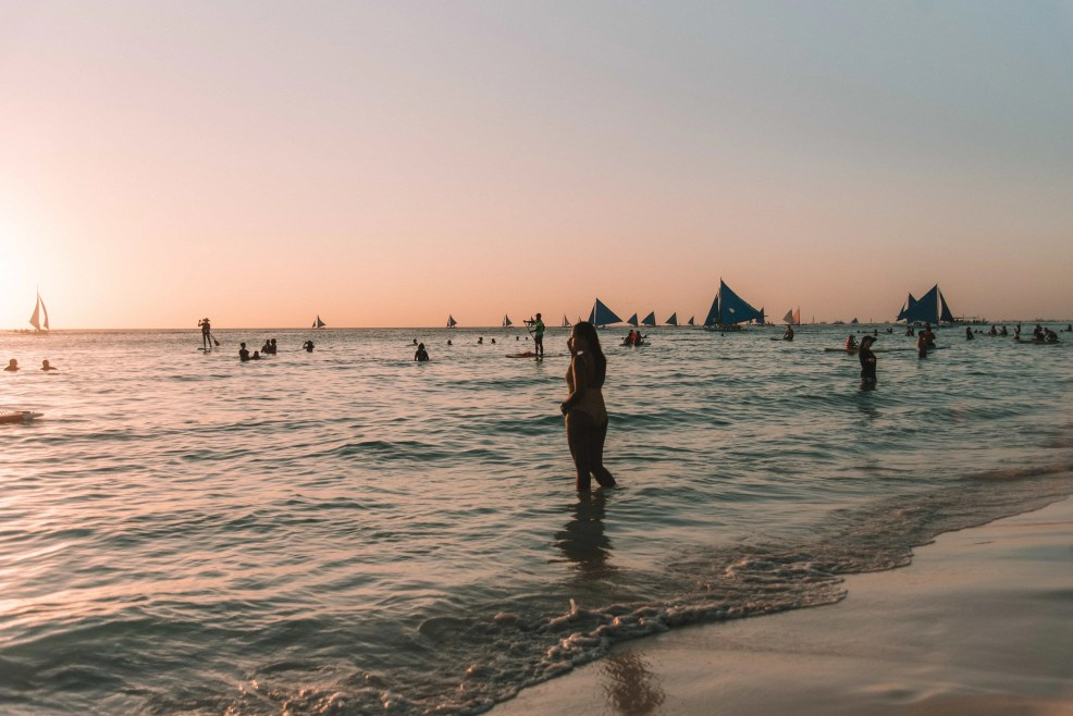 sunset watching boracay island, Things to do in Boracay Island, Boracay island travel guide, budget travel in boracay island, Boracay Island