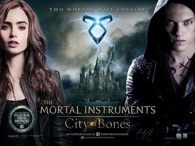 """Il poster promozionale di """"The Mortal Instruments - City of Bones"""", in Italia col titolo """"Shadowhunters - Città di Ossa"""""""