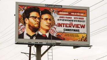 Cartellone pubblicitario di The Interview, film messo su YouTube da Sony