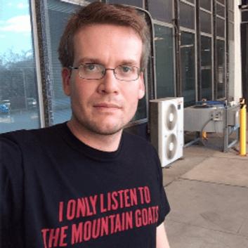 Lo scrittore John Green