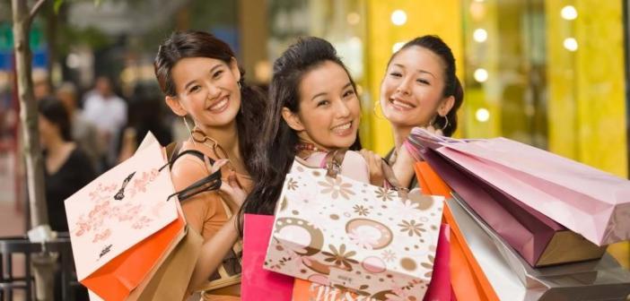 Donne cinesi e spese per $3 trilioni all'anno