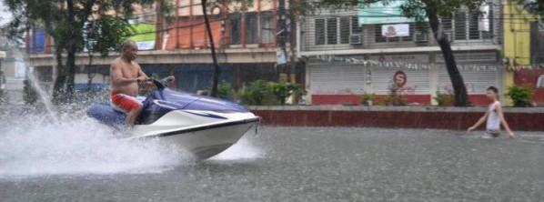 speedboat-in-flood-20120809
