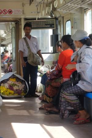 Les passagers discutent tous entre eux sans même se connaître, et aussi avec nous du coup!