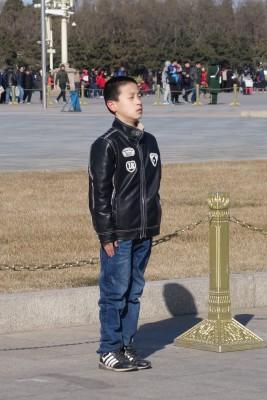 Devant le Mausolee de Mao...