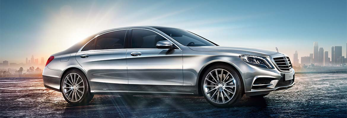 An image of a Mercedes S-Class LWB (Long Wheel Base) 350, part of GandT Executive's fleet of luxury chauffeur driven cars.