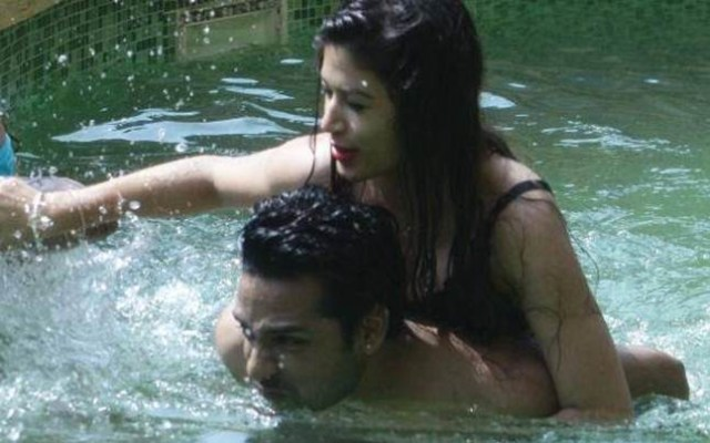 Bandgi's brother: With Arshi Khan hitting on Hiten to the Romance between Bnadgi and Puneesh. Bandgi's brother said some things about her relationship with Puneesh.