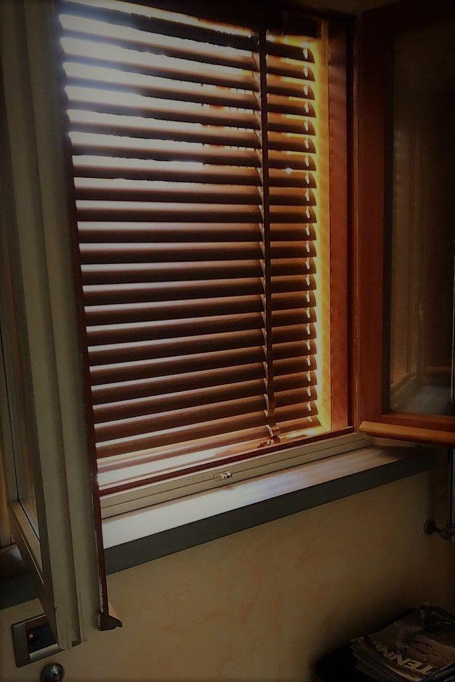 Tende veneziane personalizzate in alluminio simil legno per finestre e porte. Tende Alla Veneziana Pratiche Durature E Moderne Gani