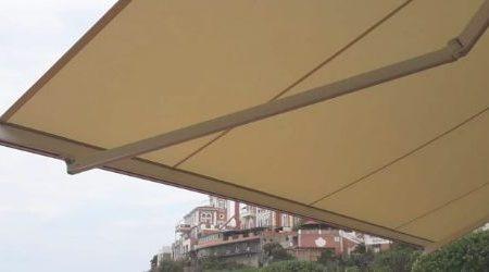 Il telo della tenda da sole è realizzato in pvc e garantisce: Tessuti Innovativi Per Tende Da Sole E Da Esterni Gani