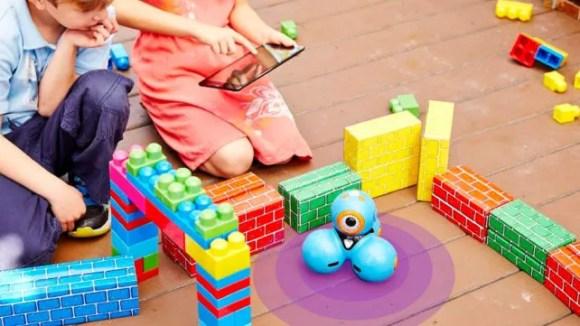 Gifts for kids 2018 Wonder Workshop Robot