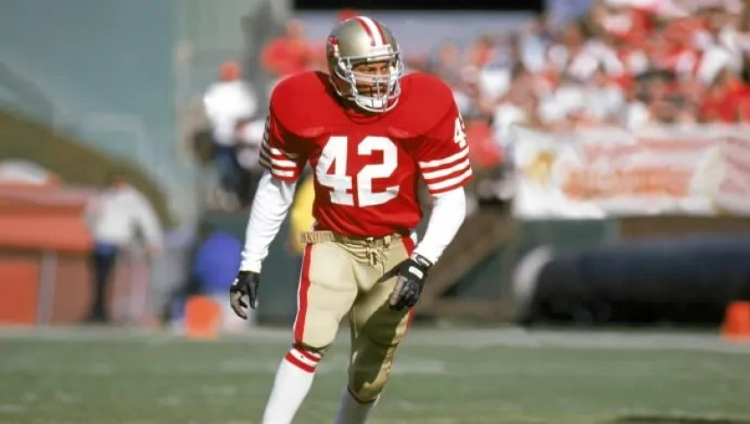 Ronnie Lott, who lost part of a finger, offers encouragement to Jason  Pierre-Paul