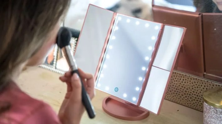 Best gifts for women: Lighted makeup mirror