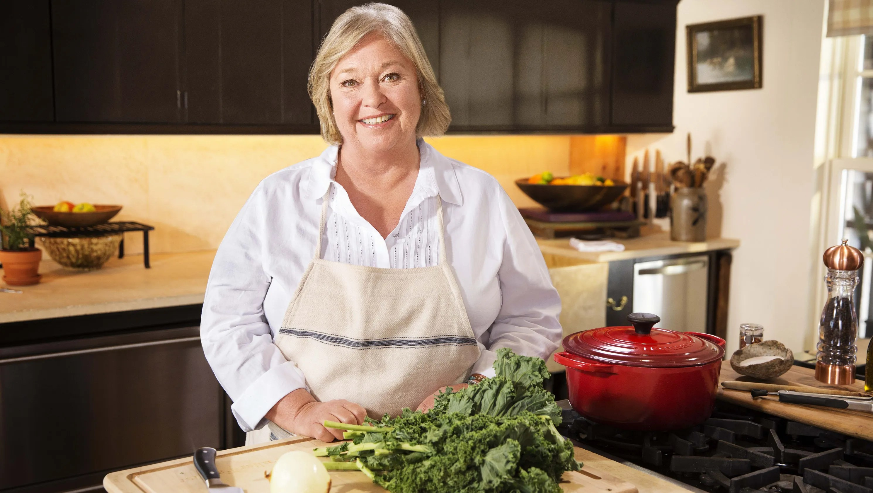 Thanksgiving 911 Food Network Host Tackles Top Cooking
