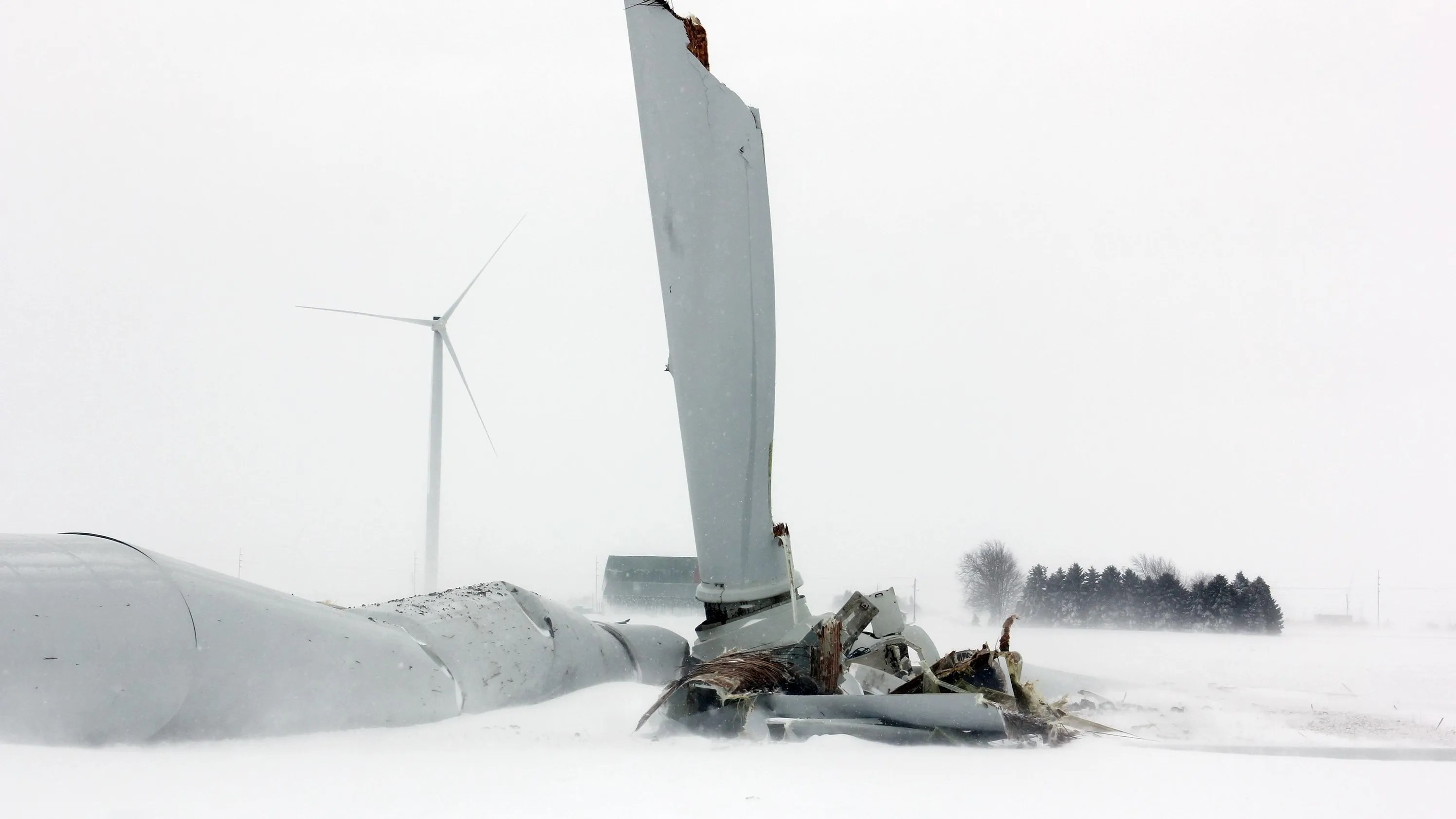 Wind Turbine Partially Falls Down In Thumb No Injuries