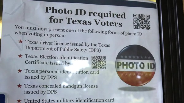 Appeals court strikes down Texas voter ID law