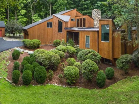 7 Stone Hollow Way, Armonk exterior